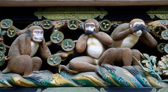 Giải mã ý nghĩa đằng sau bức tượng 3 con khỉ thông thái